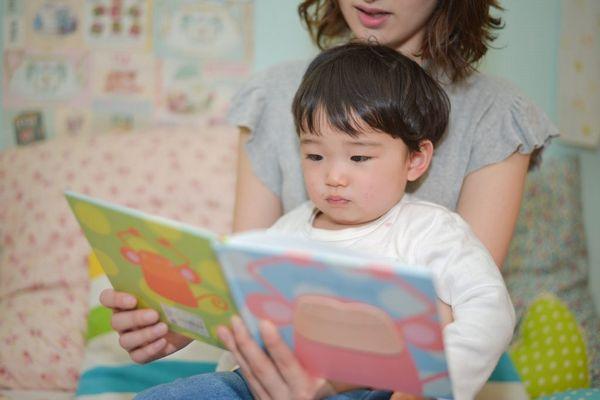 絵本の読み聞かせの効果やメリット